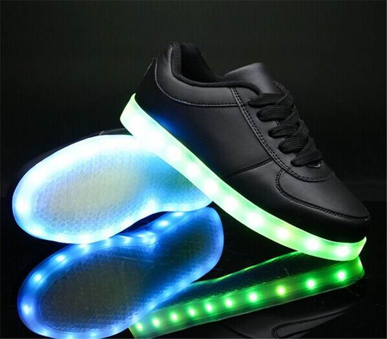 Good quality comfortable fit fashion casual Unisex Women Men Kids USB Charging light Flashing Sneakers LED Shoes