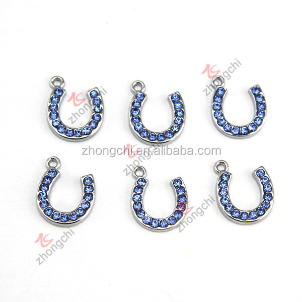 Hot Selling Blue Crystal Horseshoe Pendant charms, wholesale silver horse shoe charms for fashion accessories
