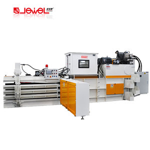 Automatic compression baler for cardboard, paper, plastic scraps