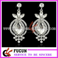 latest fashion shiny crystal rhinestone design silver earring jewelry