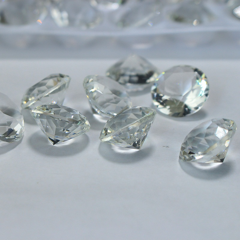Chinese Factory Supplying Small Crystal Ornament Clear 20mm Diamond For Wedding