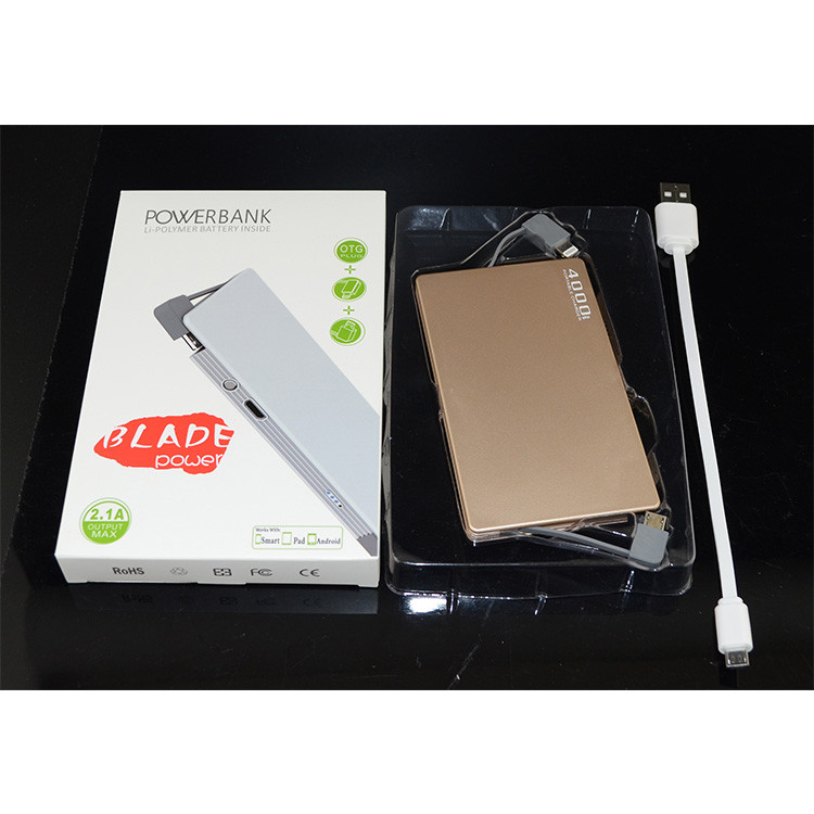 Universal Dual Built-In Kabel Slim Power Bank 4000 MAh dengan LOGO Pelanggan