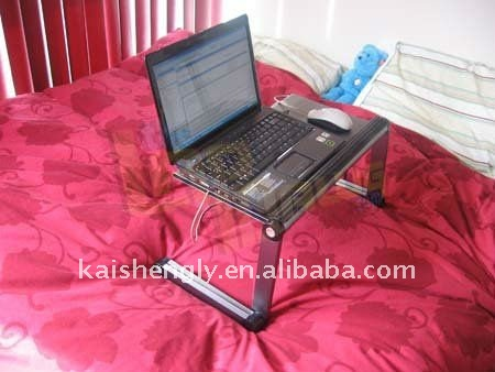 Laptop using on bed