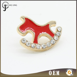 Custom printed sewing wooden horse shape rhinestone crystal button