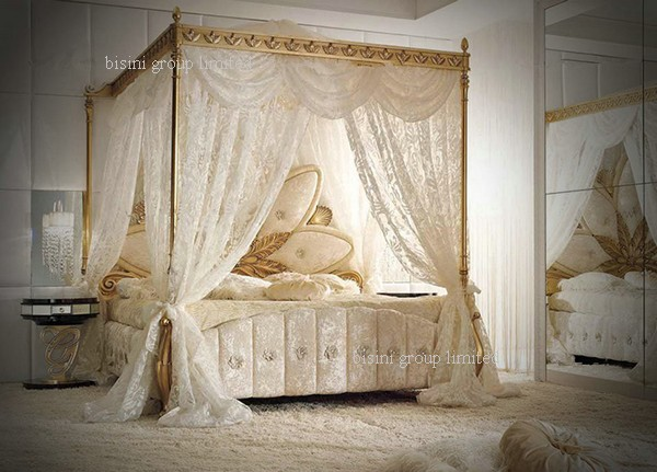 Italian Royal Wooden Bedroom Furniture, Luxury Upholstered Canopy Bed