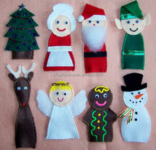 2017 new hot sales China wholesale hand made kids santa/deer/tree decorations finger felt cheap knitted Christmas hand puppet