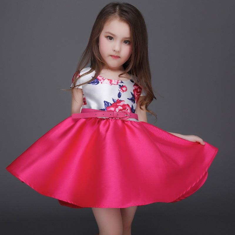 c45c0b38af40 Verano estilo flor impresión vestido de la muchacha del bautismo del  cumpleaños fiesta para niña niños