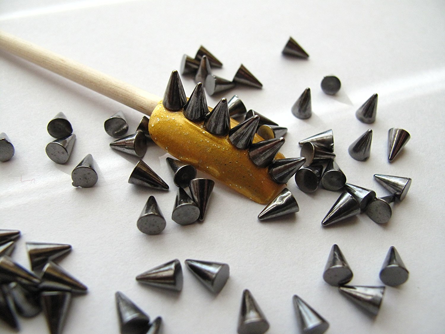 Buy Nail Art 3d 100 Gunmetal Color Cone Spike Studs Flat Back 4mm ...