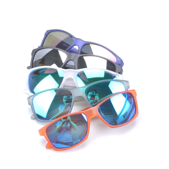 2db3f0f74e4 2018 Wholesale Uv400 Protection Custom Mens Polarized Sunglasses with Pc  Tr90 Frame Polycarbonate