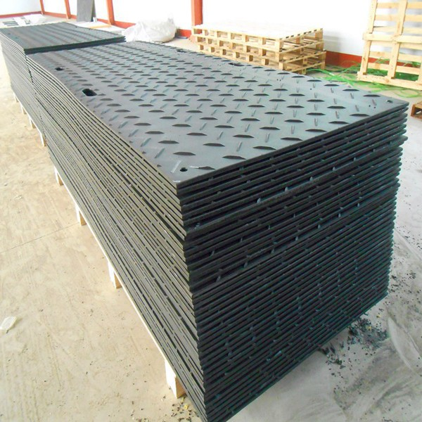 Anti-slip HDPE outdoor ground mats, temporary road mats