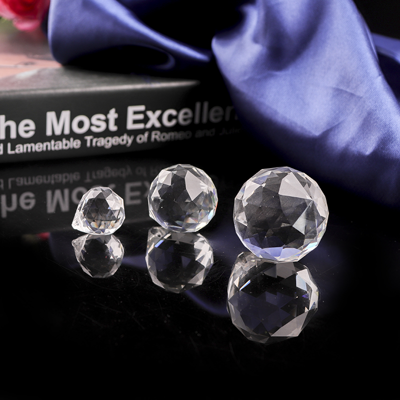 Buyout Price 30mm faceted crystal balls for chandelier hanging glass ball hanging crystal ball