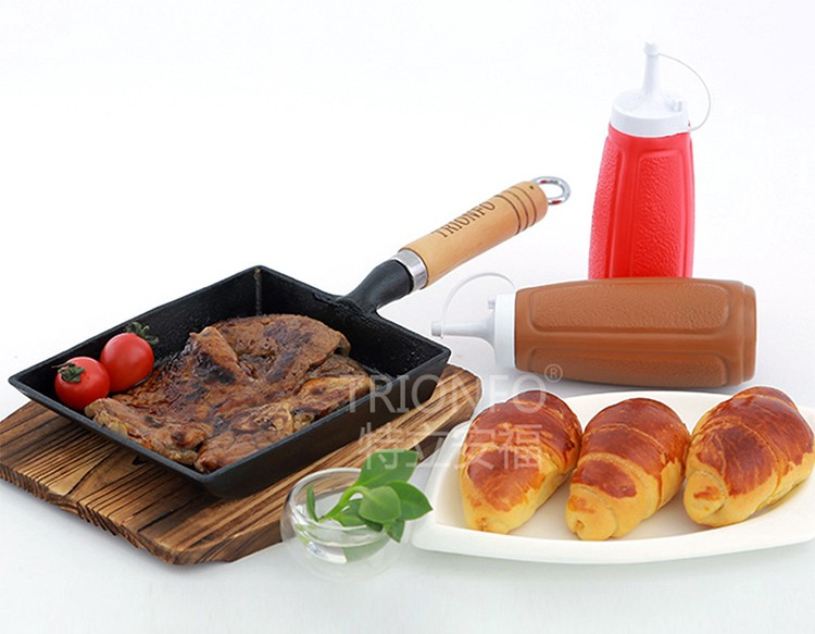 Mini wooden handle cast iron grill pan