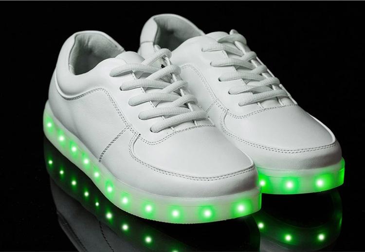 Sneakers Met Licht : Nieuw product heeft geleid knipperende schoen licht led schoenen