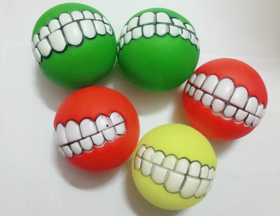 Funny Diameter 7.5cm Random color Pet Dog Ball Teeth Silicone Dog Chew Toy Ball With Squeaky Sound Dogs Play Toys