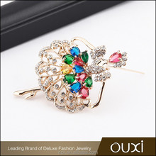 OUXI Wholesale price High quality AAA zircon doll charming wholesale rhinestone cheap brooch for women C60021