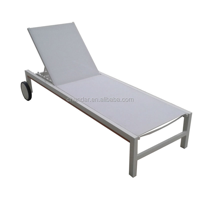 aluminium chaise longue blanc en plastique chaise longue plage transat avec roue buy product. Black Bedroom Furniture Sets. Home Design Ideas