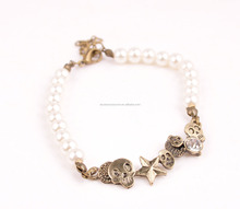 2016 white Artificial pearls metal chain bracelet with skull