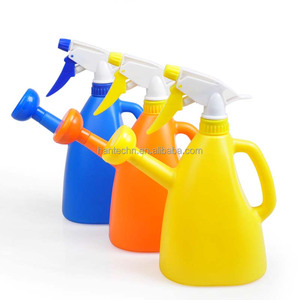 Hot sales small plastic blow pump watering cans in bulk cheap price