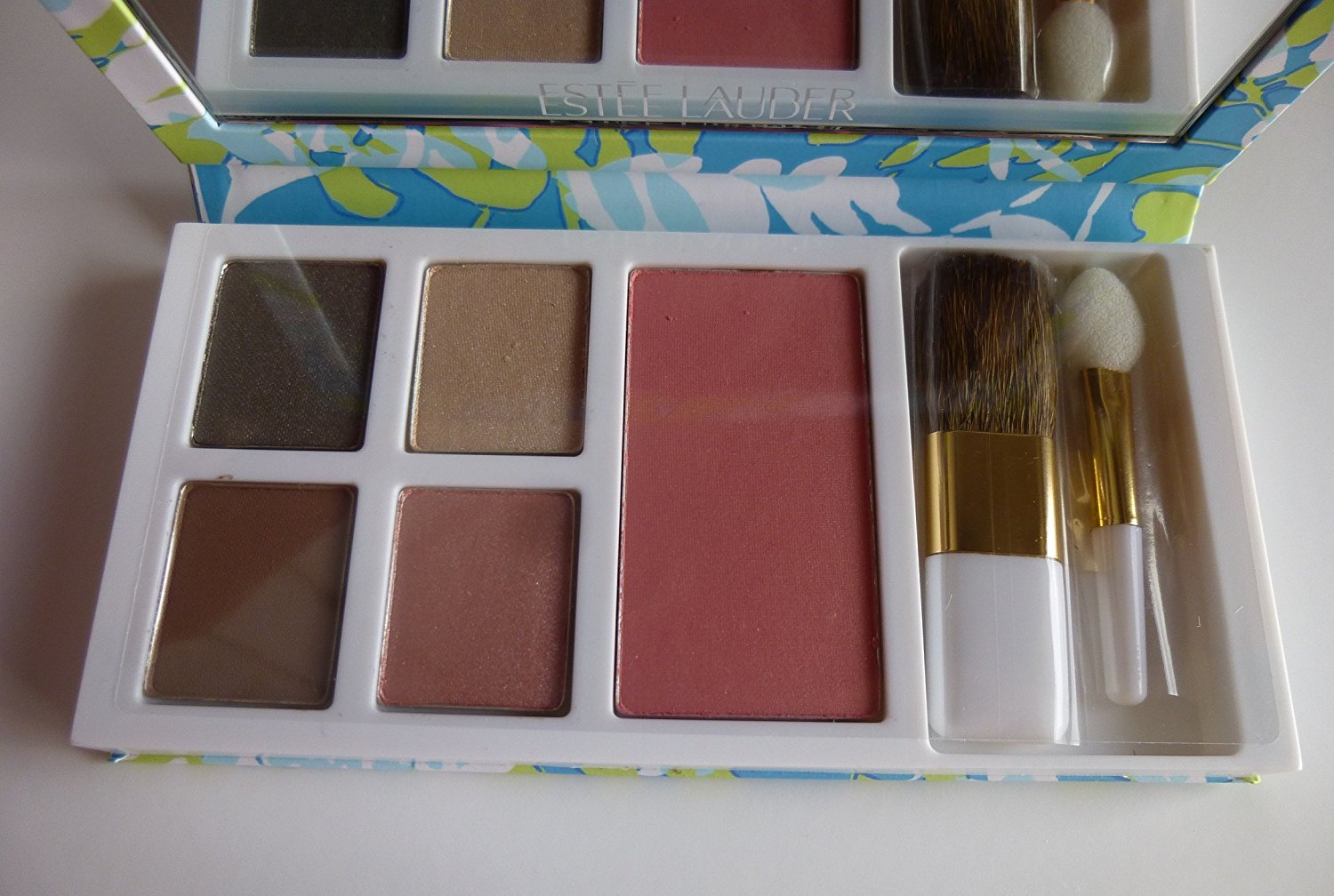 Estee Lauder Milly Pulitzer Designer Pure Color Eyeshadow Pure Color Blush and Floral Cosmetic Bag