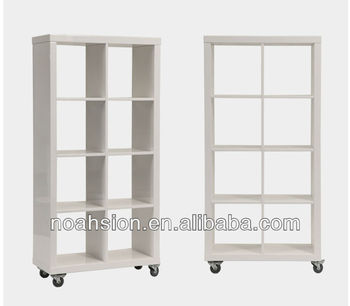 witte boekenkast met wielen