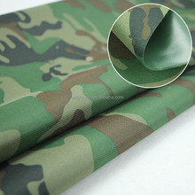 Grünen camouflage <span class=keywords><strong>pvc</strong></span> <span class=keywords><strong>oxford</strong></span> stoff wasserdicht Polyester FDY Beschichtete <span class=keywords><strong>PVC</strong></span> W/R 600D stoff für raincloth zelt markise blackout stoff