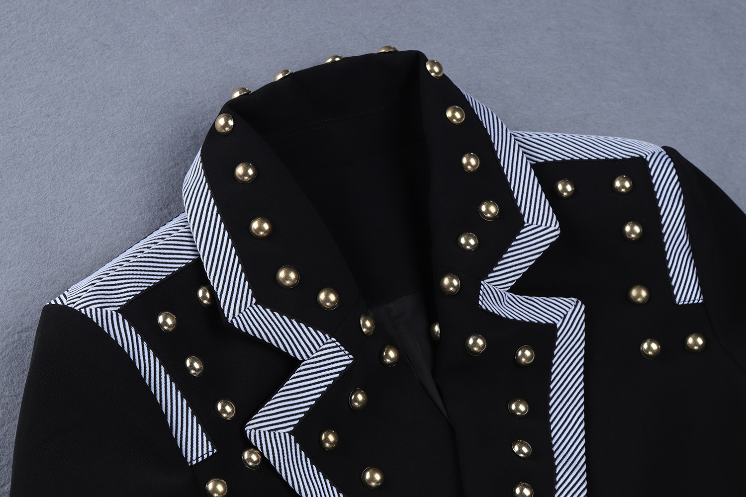 2019 new arrival fashionable beading slim fitting blazer and rivet bodycon pencil pant two pieces  business woman suit