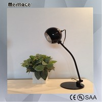 Decoration metal art lamp modern table lamp for hotel