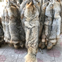 factory price high quality full pelt coyote fur skin for fur collar