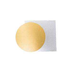 Golden round shape cardboard base for cake