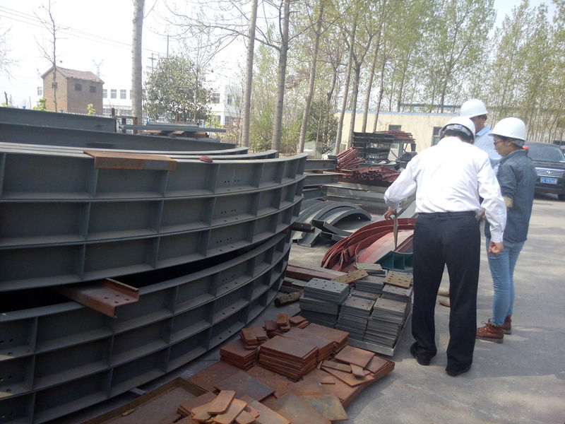 Manual conveyor belt for anto manure removal system