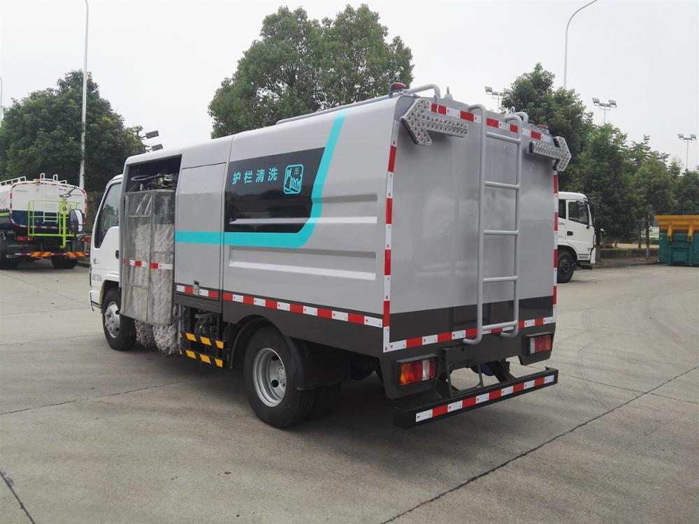 DFAC 4*2 100hp Road Sidework Guardrail Cleaning Truck