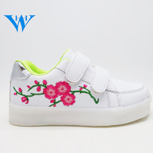 pure white latest led shoes kids girl light up leisure shoes for kids