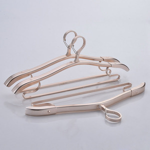 New product ideas 2018 windproof clothes hanger strong coat metal hangers