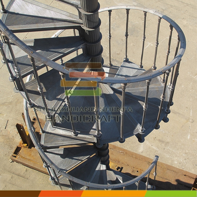 Outdoor spiral stair / cast iron spiral staircase