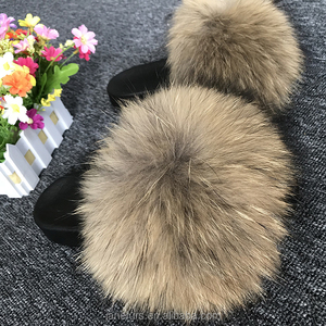 Natural Customized Wholesale Fur Slippers/ Raccoon Fur Sandal Slides/ Real Fur Slippers fur sandals