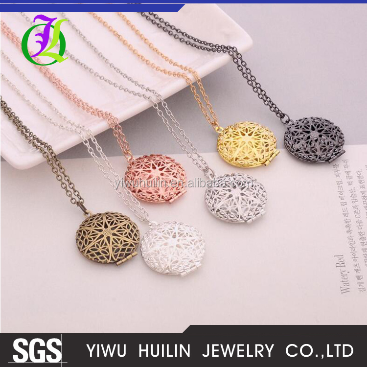 JTBC0058 Yiwu Huilin Jewelry Fashionable multi-color round hollow pattern can be put photo frame necklace fashion jewelry