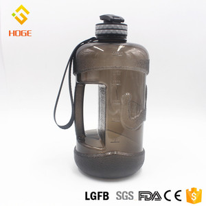 The Convenient Design Eco-Friendly Feature Plastic Sports 2 Liter Petg Clear Water Bottle Hot New Products