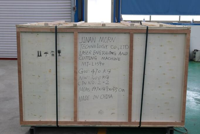 MT-L1390 80 W Co2 เลเซอร์แกะสลักไม้อะคริลิคราคา