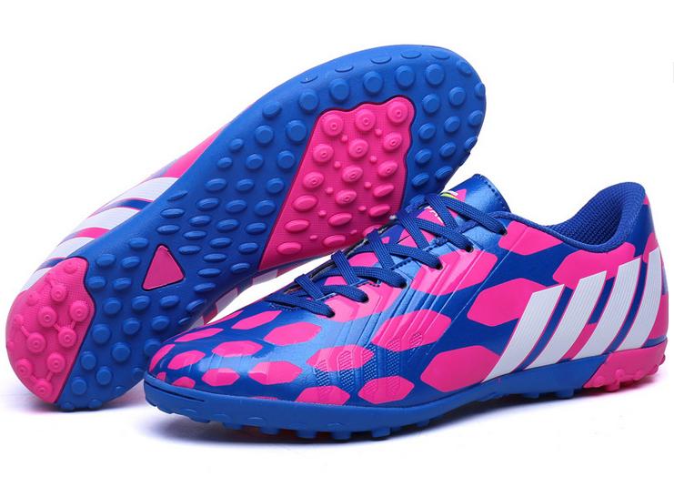 8f95adadf Nuovi all'ingrosso piedi larghi disegno leggero professionale delle donne  erba coperta scarpe da calcio