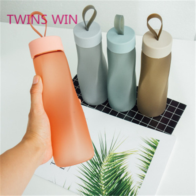 High Quality Portable Matt Plastic Water Bottles With Rope <strong>Sports</strong> Travel Plastic Bottle Eco-Friendly 840