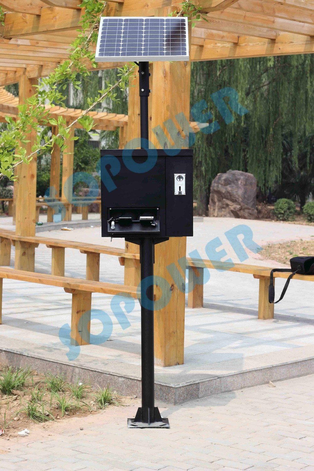 Solar Powered Mobile Phone Charging Kiosk Public Charger