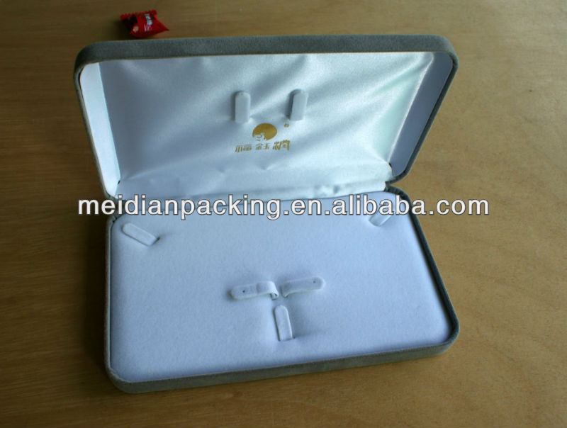 Big pearl necklace hanging white decorative jewellery boxes
