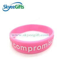 Embossed Bracelets Silicone Bracelets/Rubber bands wristband with new Stylish Design for gift/Sports souvenirs