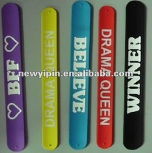 2012 hot sale, silicone snap bracelet with cute animal charm