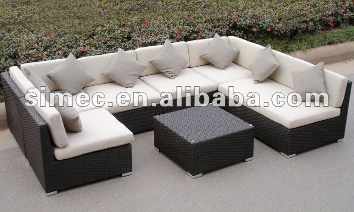 Factory Hot Poly Rattan Garden Furniture Outdoor Ratan Sofa Patio Sunbed Scsf 126