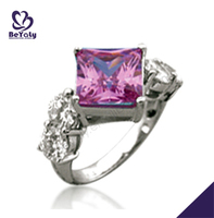 Beautiful vogue cubic zirconia 925 silver ring with purple stone
