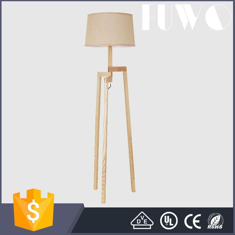 moderne kurze kreative esszimmer schlafzimmer holzboden stnder stativ lampe - Moderne Kreative Esszimmer