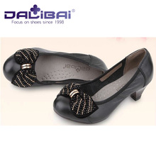 low heeled women's beautiful shoes in Spring autumn