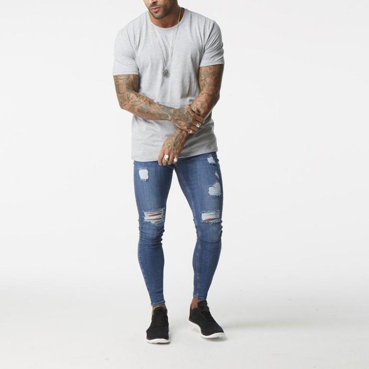 парень в облегающих джинсах фото сюжет, совсем то