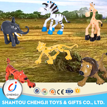 New products enviroment friendly moving animal toys plastic